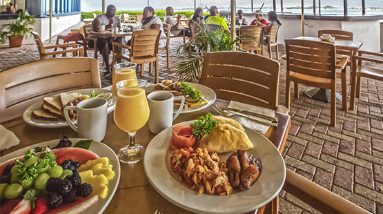 hotel in st maarten with breakfast included