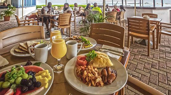 resort in Cancun with mini market